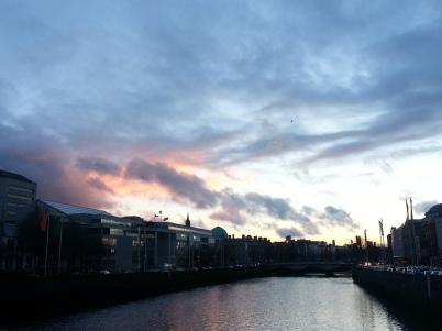 Sunset-Liffey-River-in-Dublin